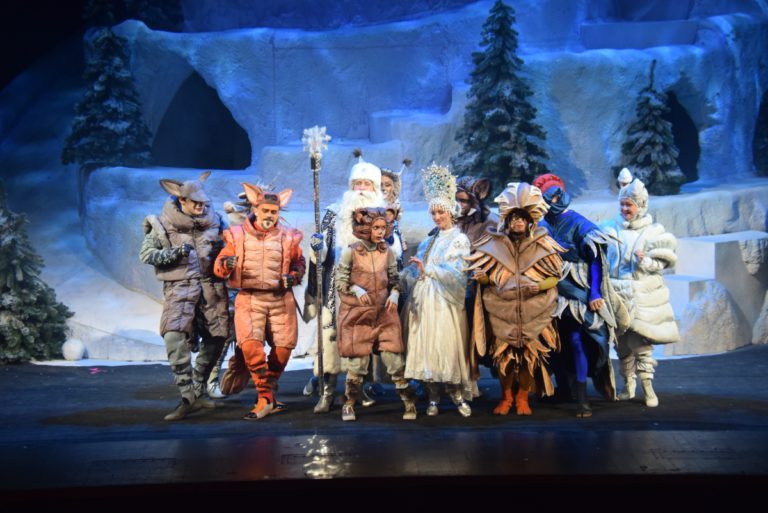 """Театротерапия. В """"Геликон-опере"""" состоялась премьера детского мюзикла """"Сон в зимнюю ночь"""""""