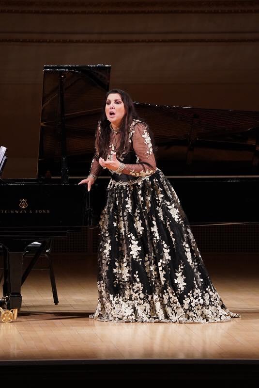 Мария Гулегина на сцене Карнеги-холл. Фото - facebook