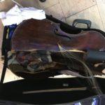 Старинная виола да гамба разбита грузчиками в аэропорту