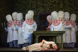 """Опера Хумпердинка """"Гензель и Гретель"""" - главная новогодняя сказка на сцене """"Мет"""". Фото - Marty Sohl / Metropolitan Opera"""