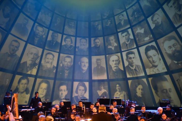 """В """"Геликон-опере"""" состоялся мемориальный вечер, посвященный памяти жертв Холокоста. Фото - Антон Кардашов"""