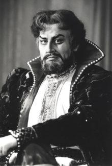 Евгений Нестеренко в роли Бориса Годунова. Фото - Георгий Соловьёв