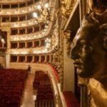 В театре Реджо обрушилась декорация и травмировала двух оперных певцов