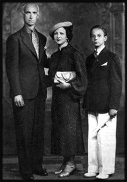 Астор Пьяццолла с родителями