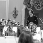 Теодор Курентзис и студенческий оркестр Московской консерватории. Фото - Александра Муравьева