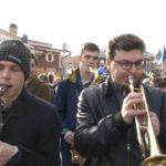 Музыкальный фестиваль в Иркутске начался с уличного шествия джазменов