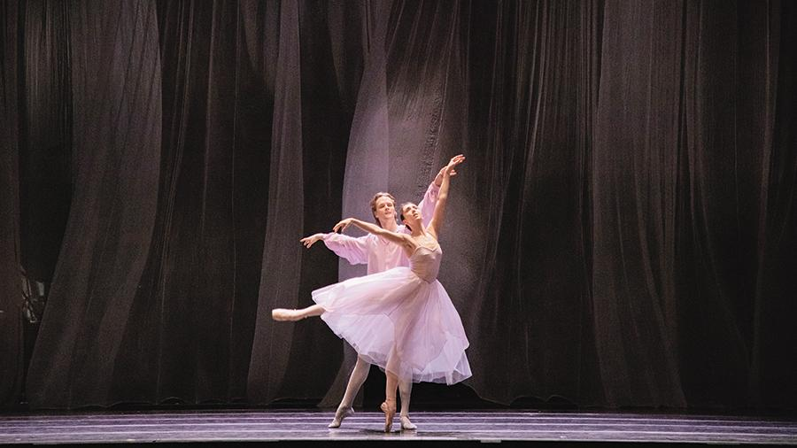 МАМТ представил программу одноактных балетов. Фото - Карина Житкова