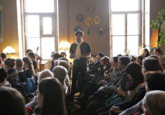 Николай Цискаридзе читает лекцию. Фото - vk.com/dance_open