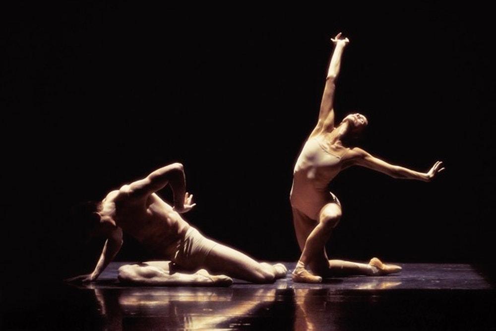 В Петербург - цитадель классического танца - везут только лучшие балетные образцы. Фото - Владимир Черенко