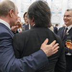 Владимир Путин и Юрий Башмет пили из одного бокала. Фото - Дмитрий Азаров