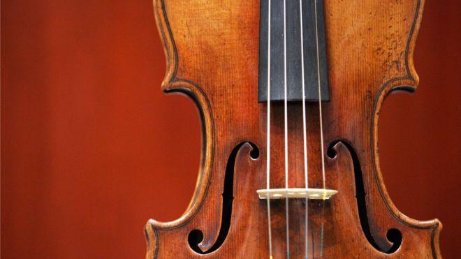 Самая ценная скрипка в коллекции стоила почти $450 тысяч