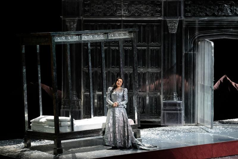 Ирина Лунгу в роли Анны Болейн. Фото - ENNEVI