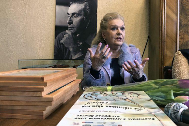 """Ирина Шнитке: """"Надо отбрасывать штампы и просто слушать музыку"""""""