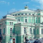 Мариинский театр предлагает музыкальные циклы и лекции в камерных залах Мариинского-2