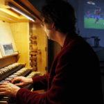 «Кино и футбол очень похожи»: немец аккомпанирует матчам ЧМ-2018 на органе в церкви