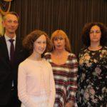 Зоя Туманова - вторая справа с генконсулом Эстонии в Санкт-Петербурге, его супругой и дочерью