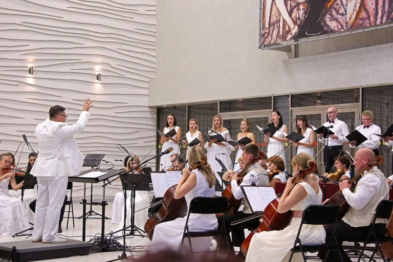 Оттенки светлого: традиционный «Белый фестиваль» приглашает своих слушателей