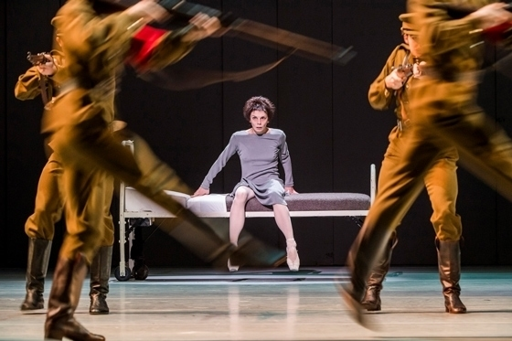 Сцена из балета «Анастасия», 2016 год. Фото - Tristram Kenton / ROH