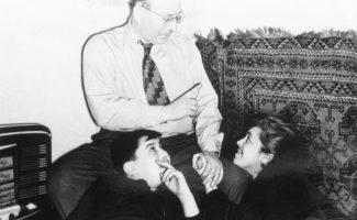 Михаил Юровский с родителями, 1957 год