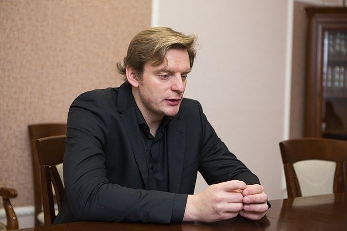 Антон Шабуров. Фото - Владимир Мартьянов