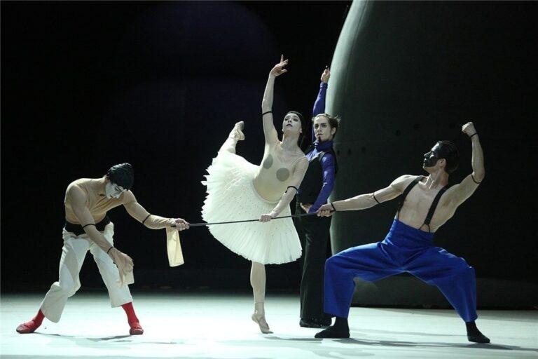 Математика и куклы: новые балеты в Большом театре