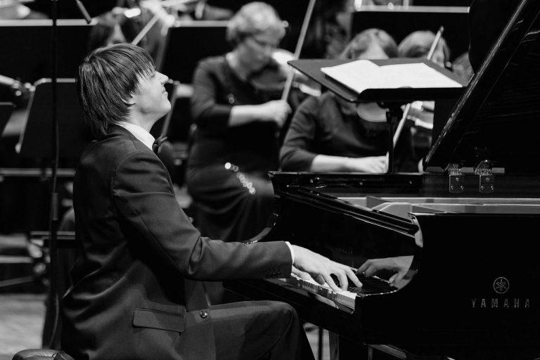 Пианист Антон Яшкин выиграл конкурс имени Листа