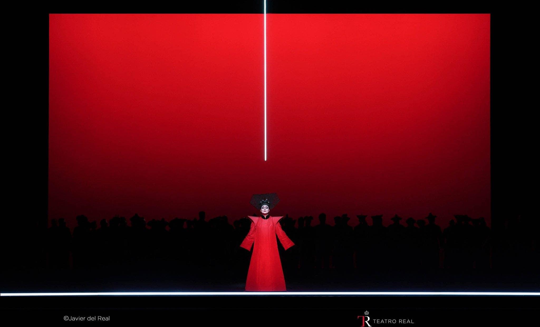 """""""Турандот"""" в постановке Боба Уилсона. Фото - Мадридский королевский оперный театр"""