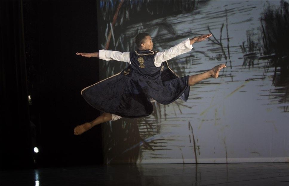 """""""Жизель"""" из Южной Африки – продукт компании The Dance Factory и ее хореографа Дада Масило. Фото - Ольга Михайлова"""