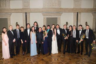 В Бетховенском зале Большого театра показали результаты работы лаборатории для молодых режиссеров и певцов, взявшихся за светские кантаты композиторов XVIII и XIX веков