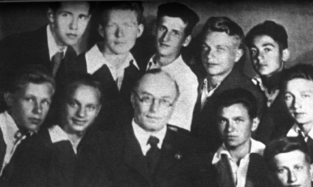 А. Свешников с первым выпуском Московского хорового училища