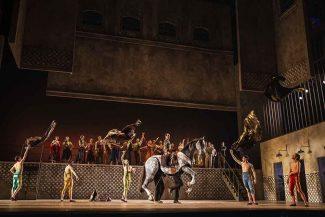 """Кармен"" собрала аншлаги в Римской опере. Фото - Yasuko Kageyama"