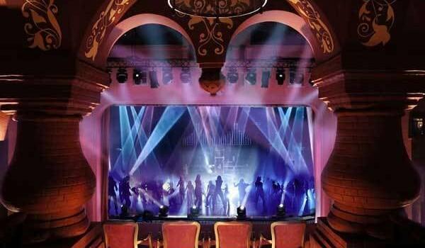 Постановкой «Орландо» театр Геликон-опера открывает для себя целых два новых направления для работы