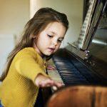 «Ну не хочет девочка, зачем её заставлять!»: как быть с музыкальным образованием