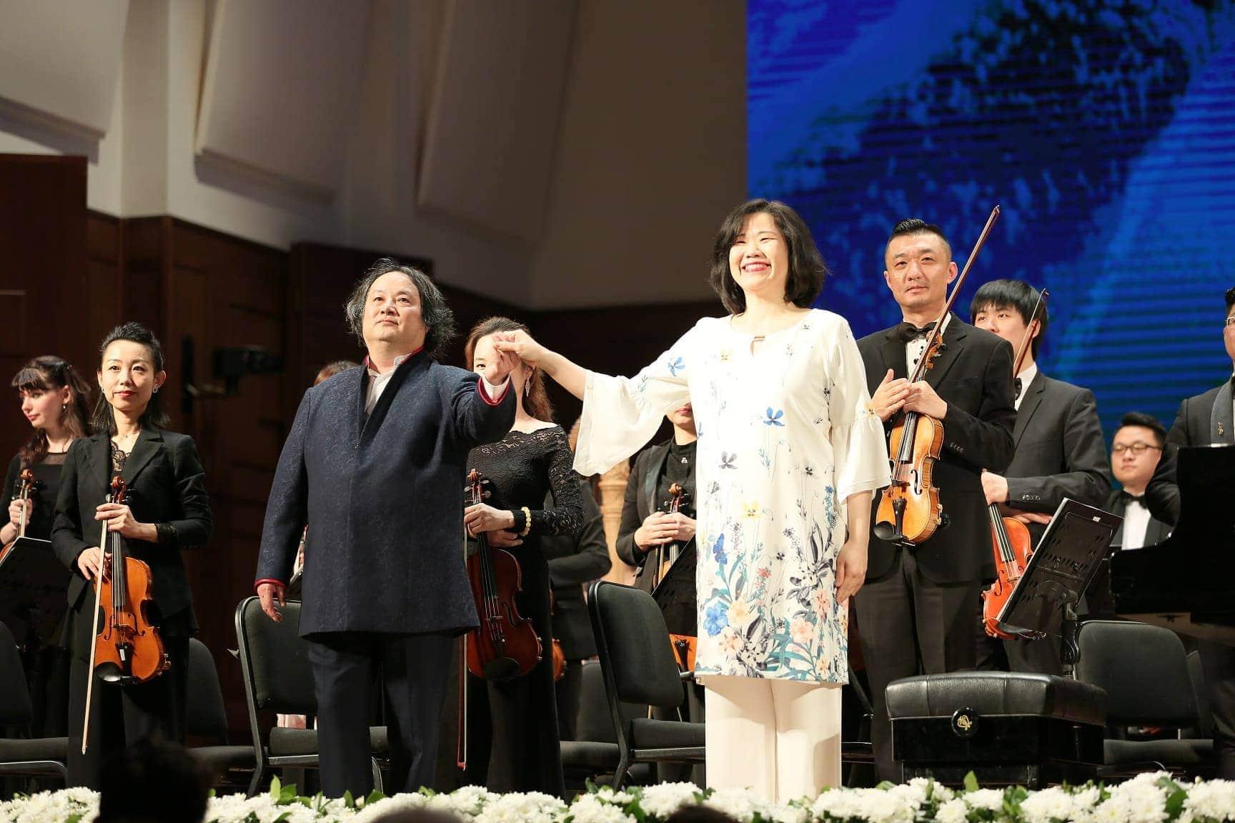 Клаудиа Янг и Харбинский симфонический оркестр под управлением Мухая Танга