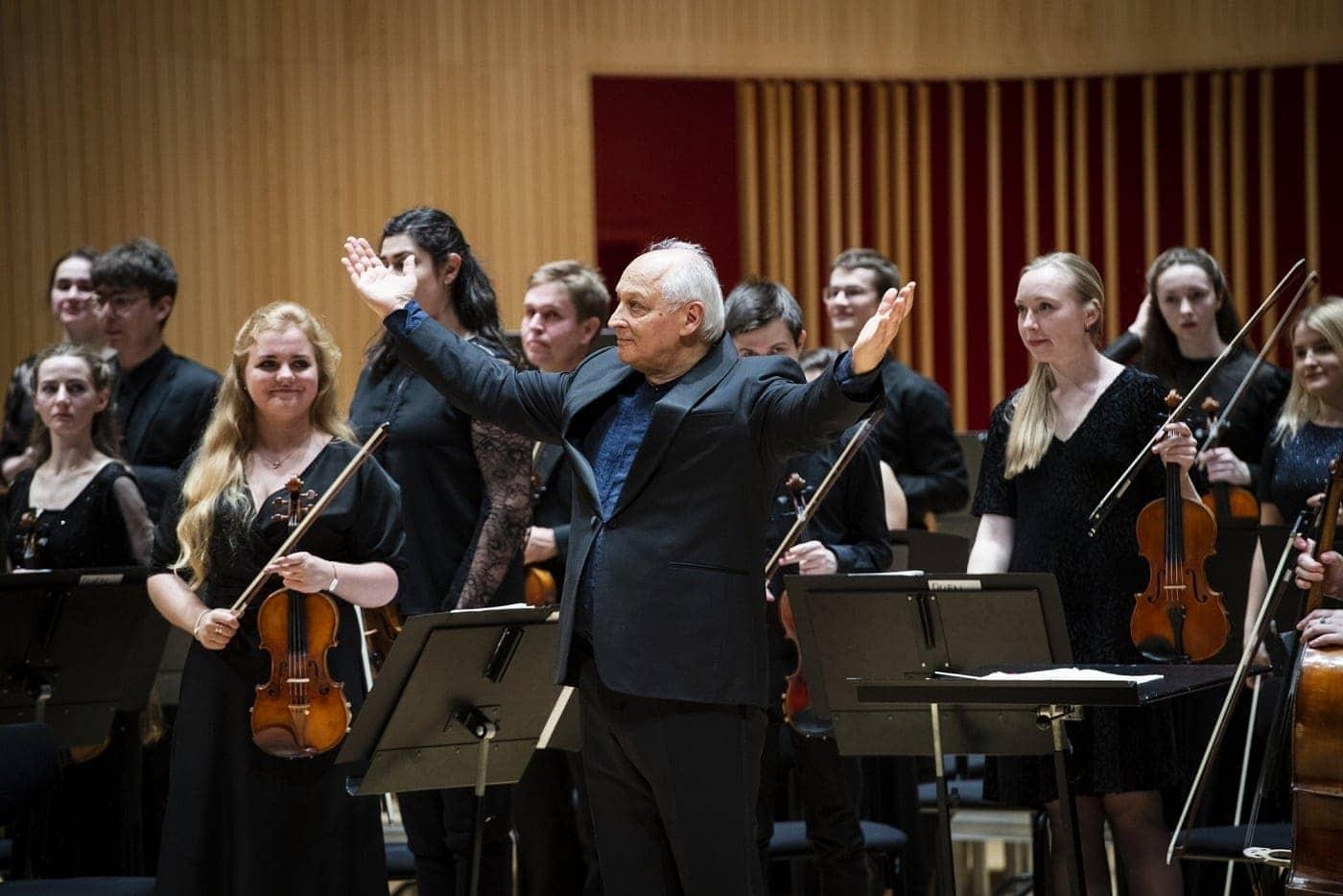 Валерий Ворона и Российско-датский молодёжный симфонический оркестр