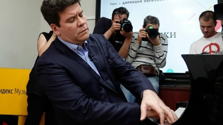 Денис Мацуев. Фото - Аркадий Колыбалов