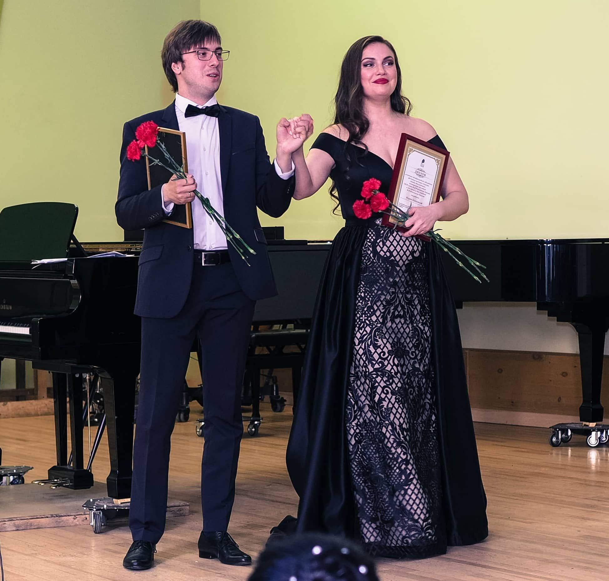 Василий Попов и Мария Баянкина