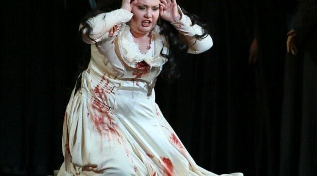 Альбина Шагимуратова в партии Лючии ди Ламмермур в постановке Мариинского театра. Фото - Наташа Разина