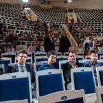 Скрипачи-финалисты в ожидании объявления результатов. Фото - tch16.com