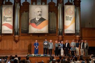 Оглашение результатов II тура у пианистов. Фото - Евгений Евтюхов
