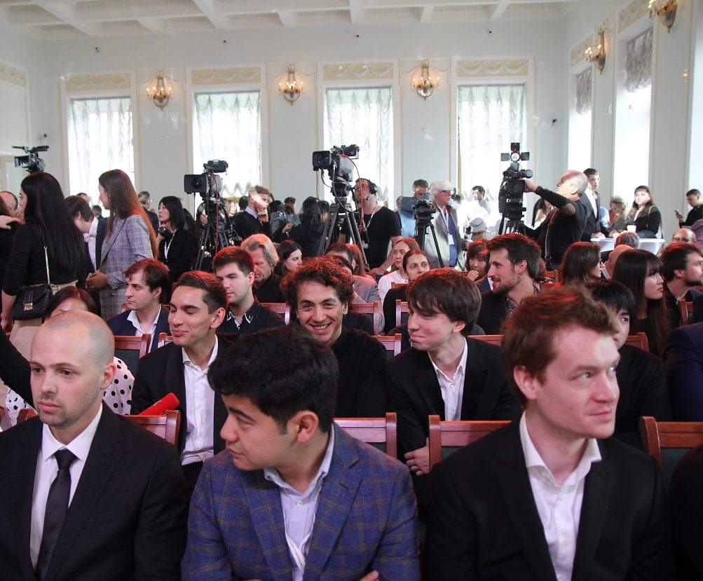 Лауреаты XVI Международного конкурса имени П. И. Чайковского во время церемонии награждения. Фото - Наталья Поддубняк