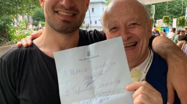 Марк Бушков и Эдуард Вульфсон во время Конкурса Чайковского на террасе отеля Риц-Карлтон, Москва, июнь 2019