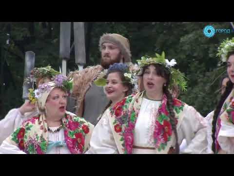 """В Петербурге под открытым небом прозвучала опера """"Майская ночь"""""""