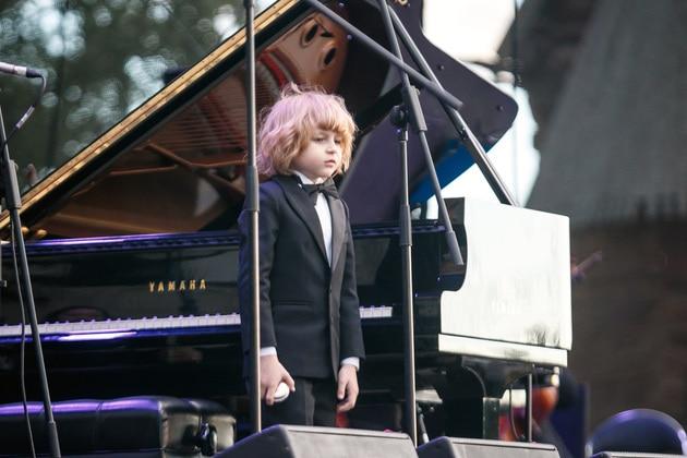 Елисей Мысин на гала-концерте «ALMA MATER: «Новые имена в Суздале». Фото - Владимир Чучадеев