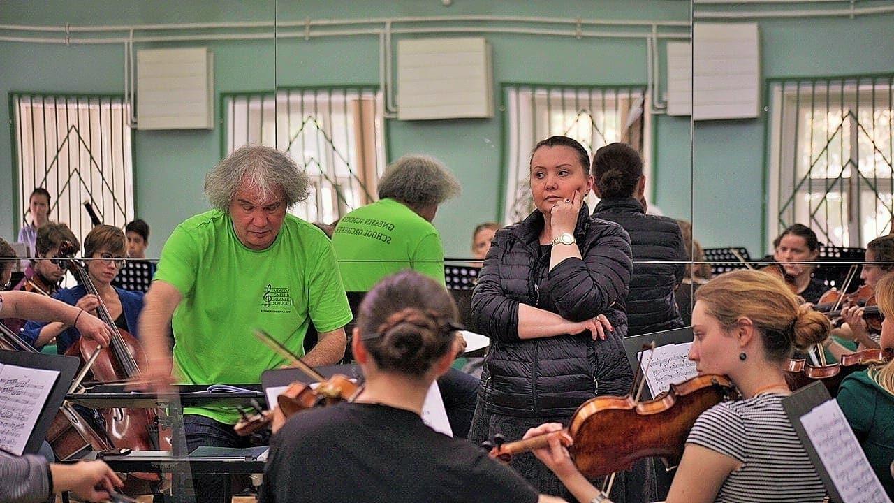 Подготовка к гала-концерту с Альбиной Шагимуратовой. Фото - Глеб Омельченко