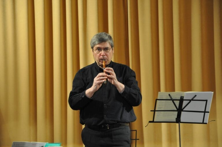 Владимир Хробыстов: «С современным миром лучше разговаривать музыкой»