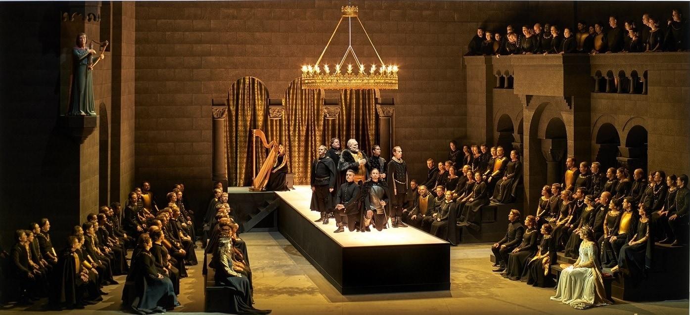 """Сцена из оперы Вагнера """"Тангейзер"""" в постановке Тобиаса Кратцера на Байрейтском фестивале. Фото - Enrico Nawrath"""