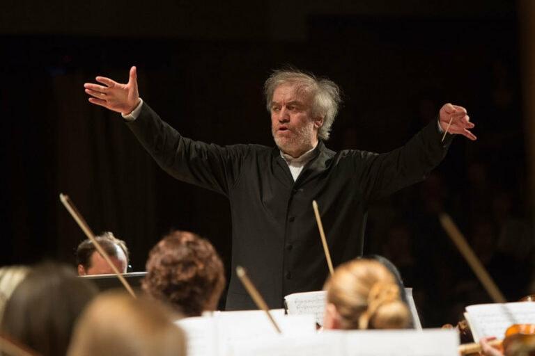 Валерий Гергиев выступит со Всемирным оркестром мира в Санкт-Петербурге и Москве