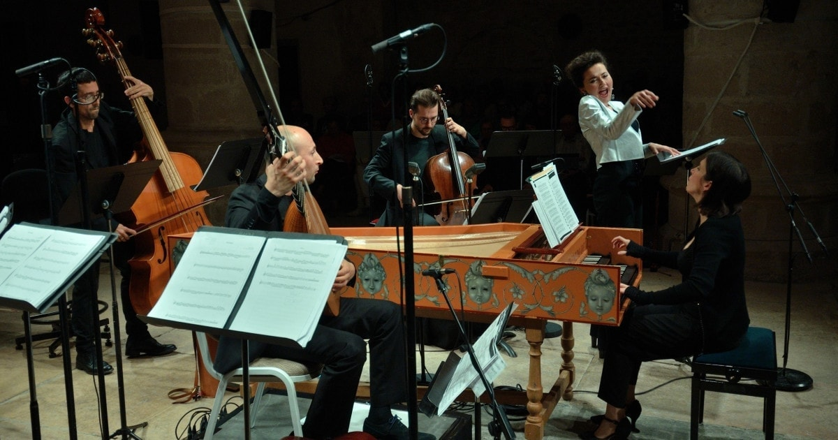 Стефани д'Устрак и ансамбль «Амариллис». Фото - Bertrand Pichène - CCR Ambronay