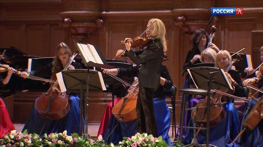"""Светлана Безродная и """"Вивальди-оркестр"""" представили спектакль """"На родине и на чужбине"""""""